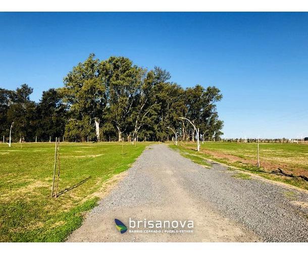 barrio cerrado en pueblo esther. brisanova. lote de 300 m2. financiados.