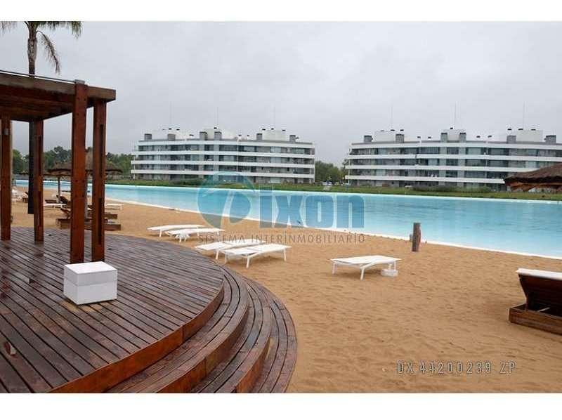 barrio cerrado lagoon pilar - casa venta usd 200.000