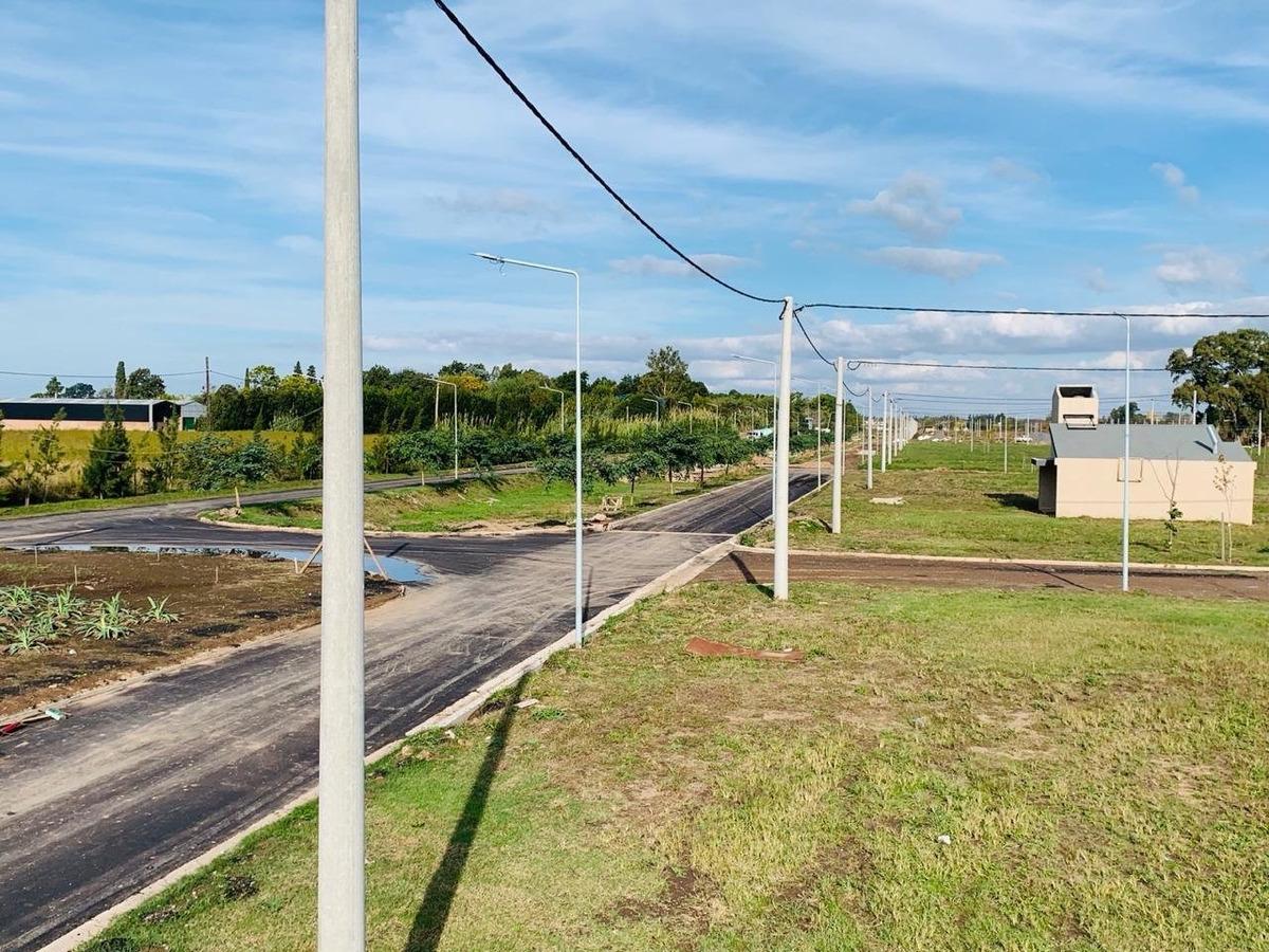 barrio ecopueblo. terreno a la venta de 300 m2. entrega inmediata.