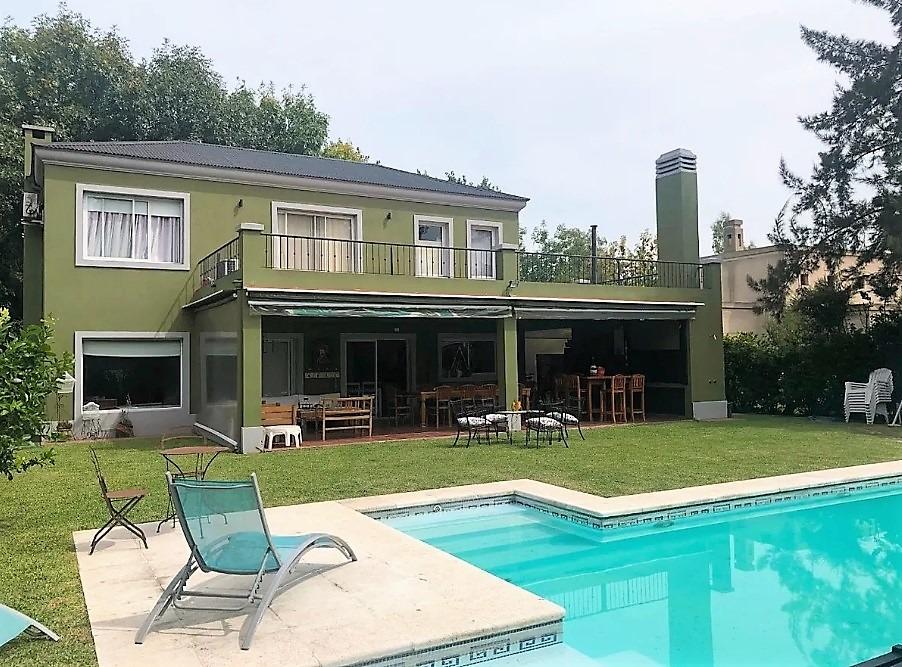 barrio el mirasol - casa 4 amb. piscina cochera