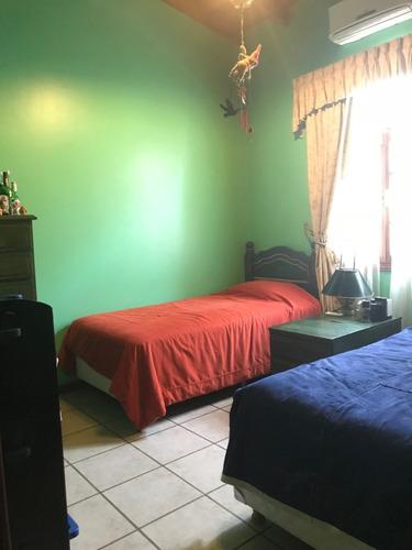 barrio la peregrina - casa 4 amb. c/dep. cochera