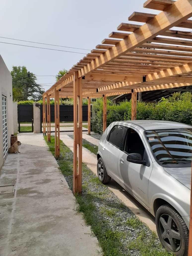 barrio link. casa nueva y moderna con parque