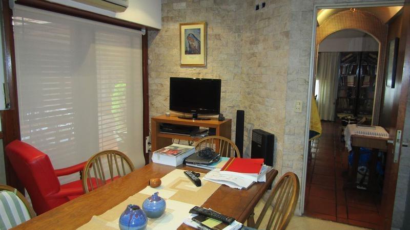 barrio los chalesitos - casa 4 ambientes - venta directa