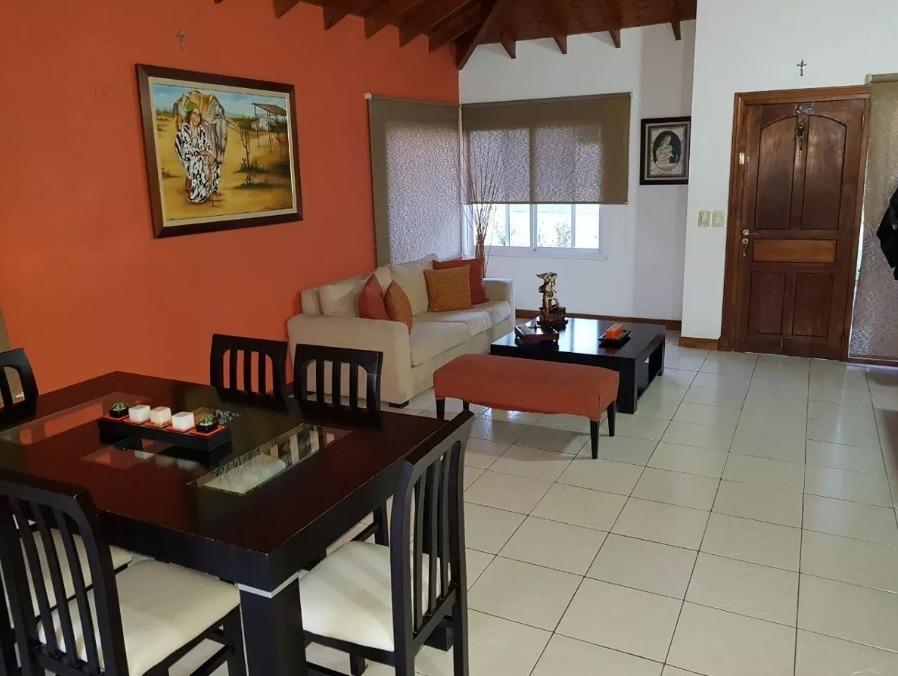 barrio los potrillos - casa 5 amb. con doble cochera