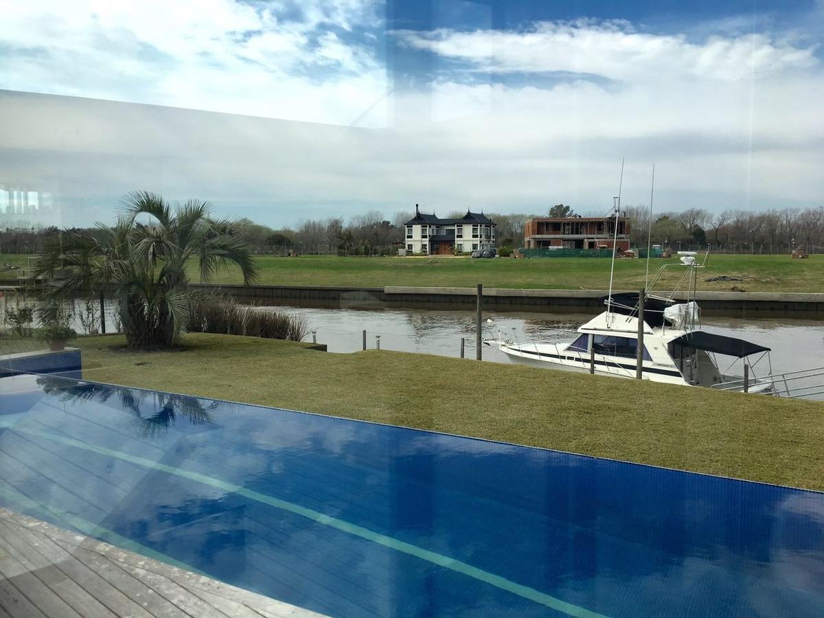 barrio nautico albanueva espectacular al rio