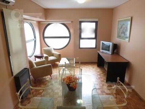 barrio norte. departamento 2 ambientes con balcón. alquiler temporario sin garantías.