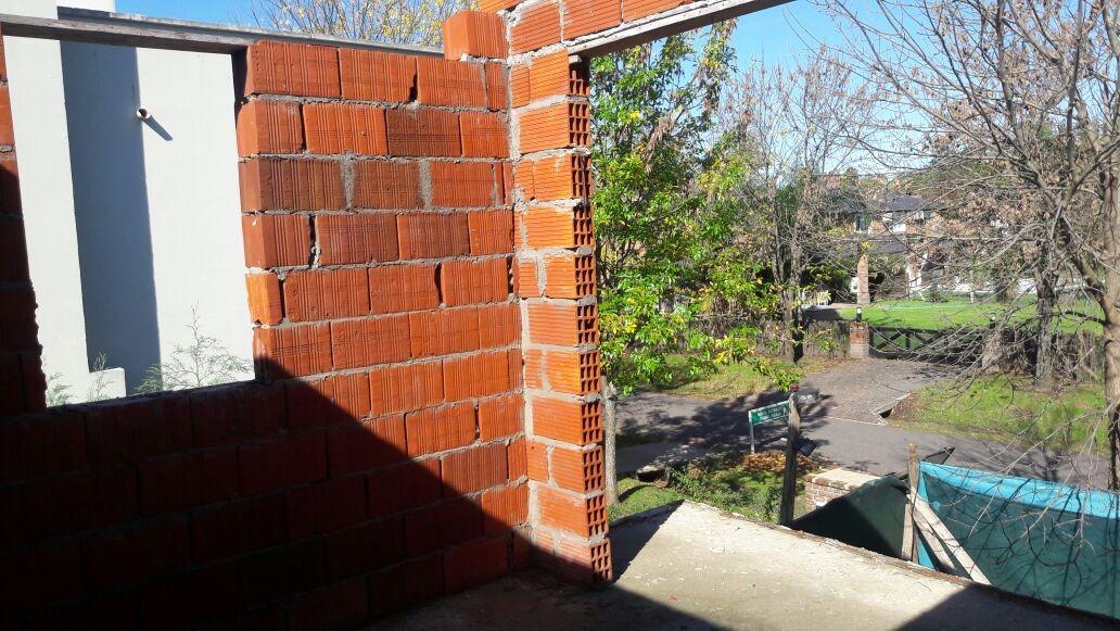 barrio sausalito - casa 7 amb. con cochera