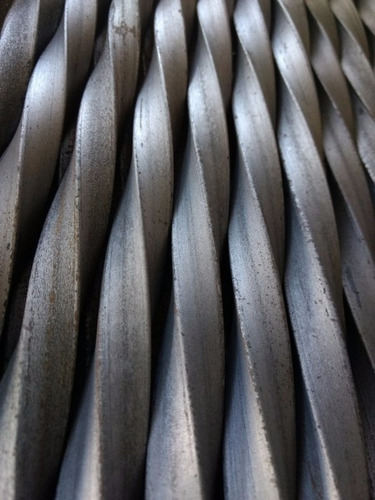 barrote varilla reja hierro cuadrado torsionado 5/8 l:2.0 m