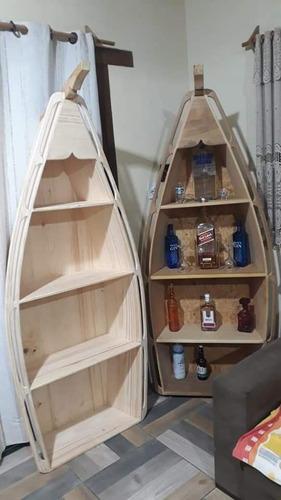 barzinho em forma de embarcação
