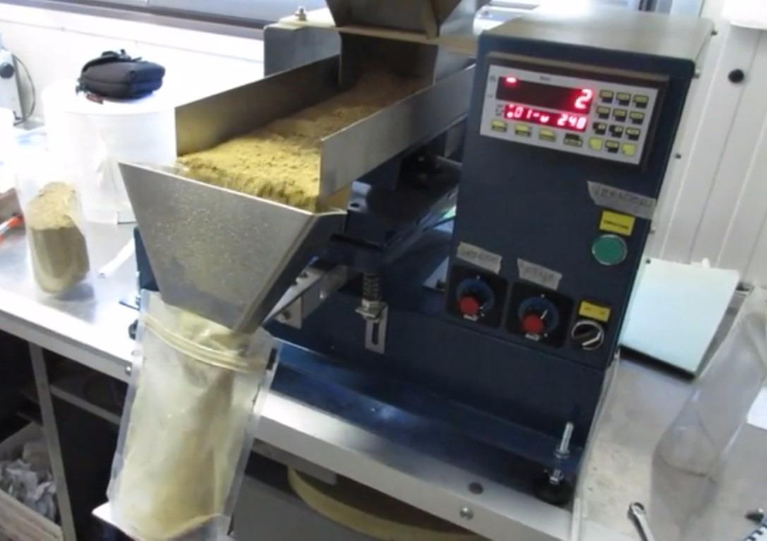 Dosificador Para Granos: Báscula Dosificadora Para Polvos Y Granos Mod. Dos15 Bag