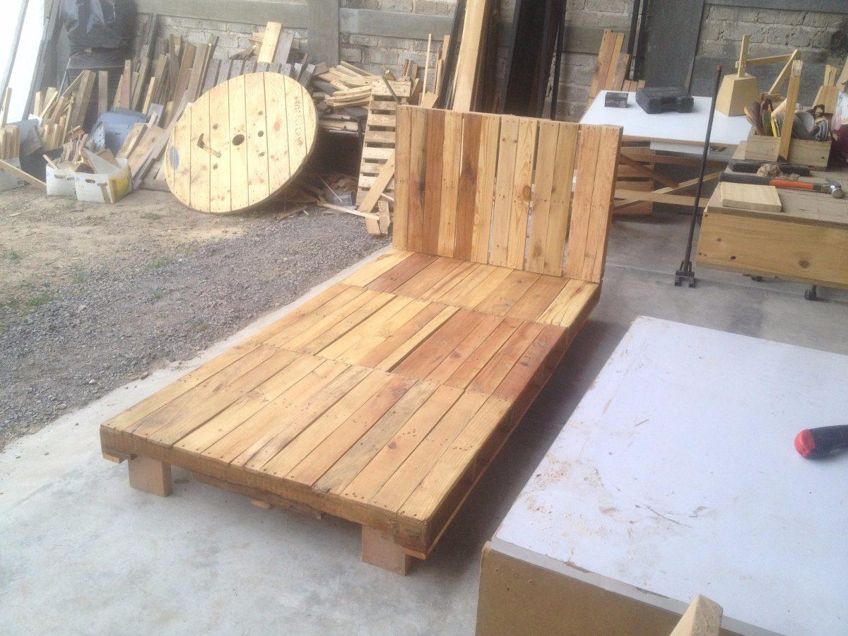 Base de cama individual hecha con tarimas 1 en for Base de cama matrimonial con tarimas