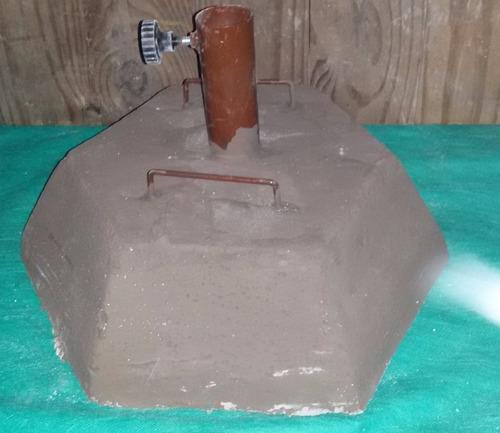 base de cemento de 30kg. aprox.