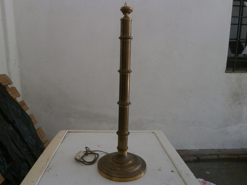 base de lámpara de bronce alta para instalar