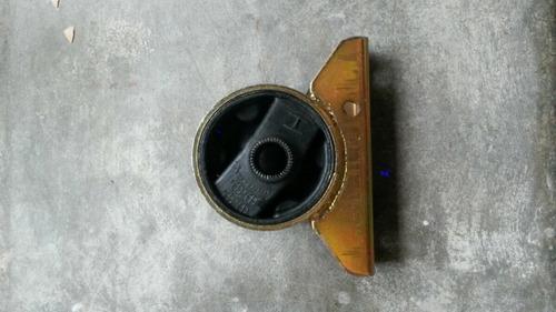 base de motor delantera hyundai excel