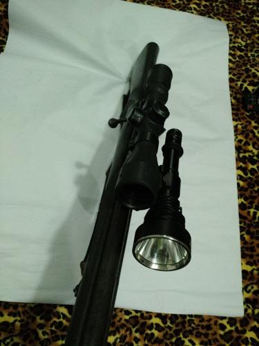 base magnetica con linterna para carabina de airsoft o caza