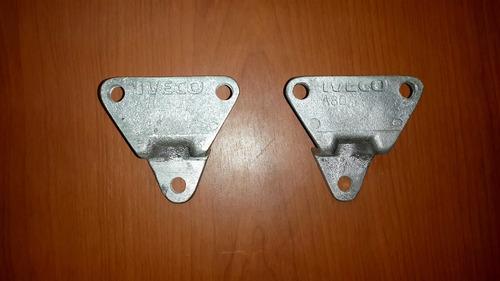 base o soporte de capot/calandria iveco