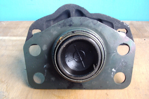 base soporte de motor derecha renault clio rt
