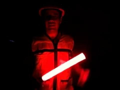baston luminoso transito vial señalizacion rojo correa 41cm