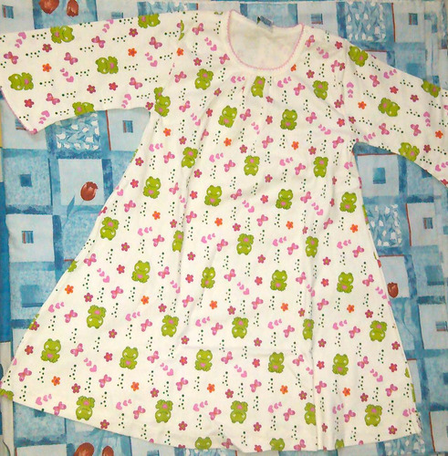 bata dormilona pijama de niña - ranitas corazones mariposa