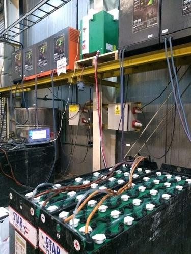 baterías de tracción, estacionarias de ciclo profundo.