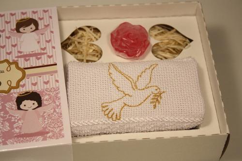 batizado lembrancinha toalha e sabonete rosa 5 unidades
