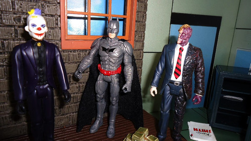 batman armor attack two face e  palhaço assassino joker
