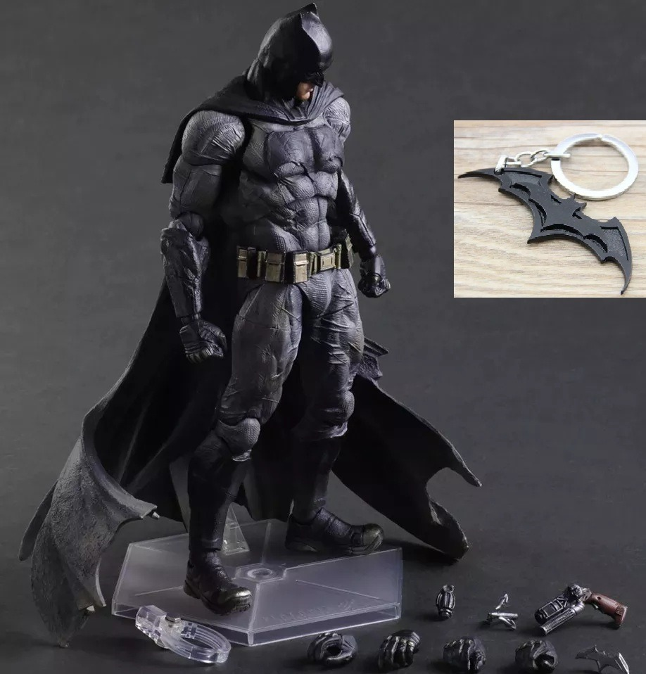 eb5bc58d31933 Batman Liga Justiça Play Arts 25 Cm Chaveiro Grátis - R  259,00 em ...
