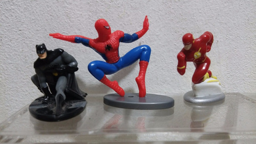 batman spiderman y flash marvel huevo kinder 3 figuras