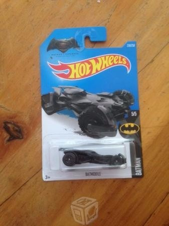 batman vs superman batmobile
