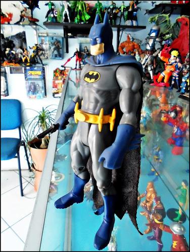batman,dc super heroes,traje clasico,loose,figura 16 cm.