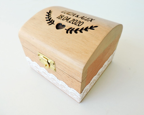 baú porta-alianças de madeira cedro rosa - 9x9x7,50 cm