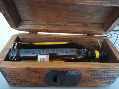 baúl botellero de madera rustico terminado apolillado