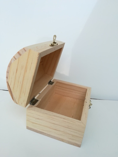 baul de concha de madera natural con broche