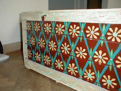 baúl pintado a mano 99 cm x 38 cm altura 40 cm