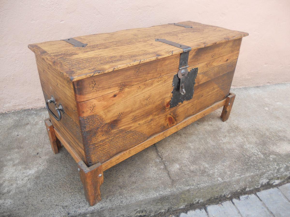 Ba l r stico pie de cama madera de pino apolillada - Botelleros de madera rusticos ...