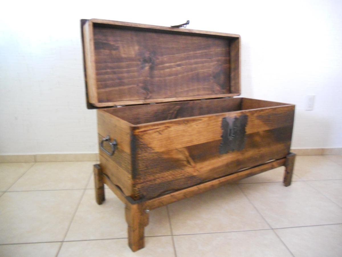 Ba l r stico pie de cama madera de pino apolillada for Como hacer herrajes rusticos