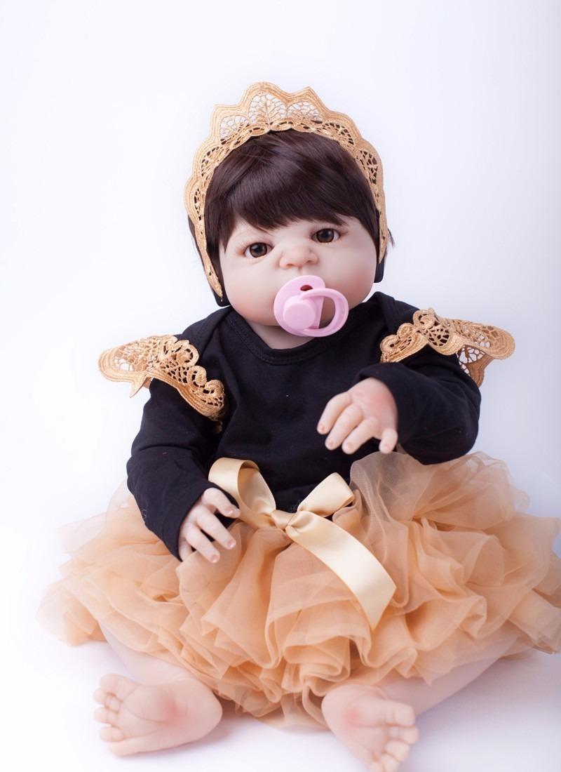 Bebê Boneca Reborn Com Vestidinho Mamadeira Chupeta Imâ - R  480,00 ... d43da1933e