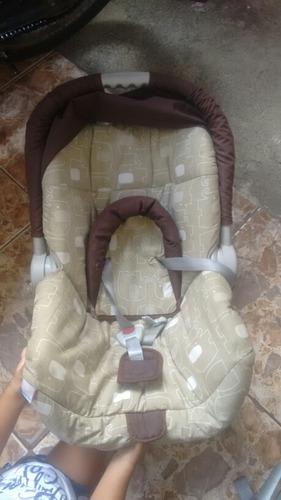 bebê conforto burigotto usado super conservado 1 ano de uso.
