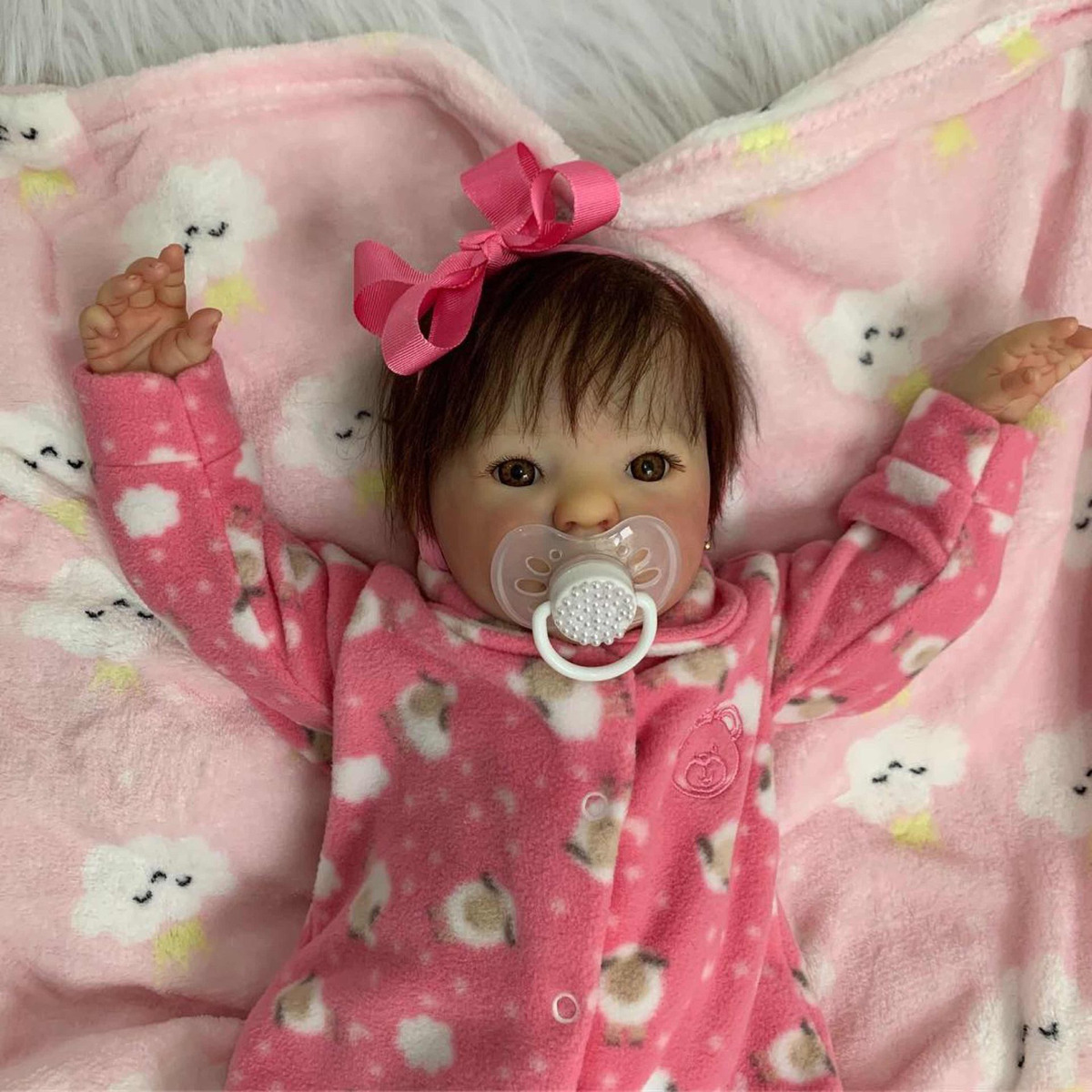 b59236e0631 Bebê Reborn Kit Kimi Original Em Até 12 X Sem Juros - R$ 1.350,00 em ...