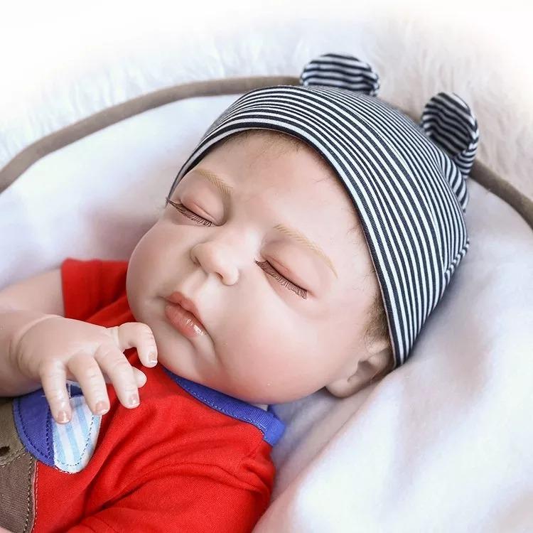 Bebê Reborn Menino Hiper Realista Silicone - R  660,00 em Mercado Livre 6d670af598d