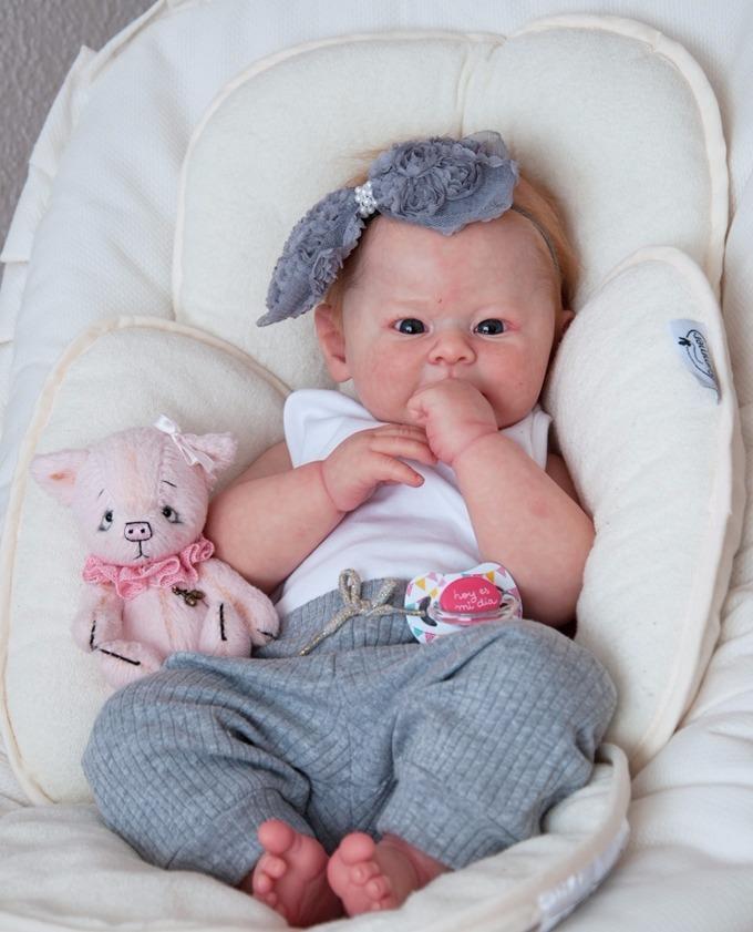 bd8a2ac86 bebê reborn valentina q chora e balbucia super promoção. Carregando zoom.