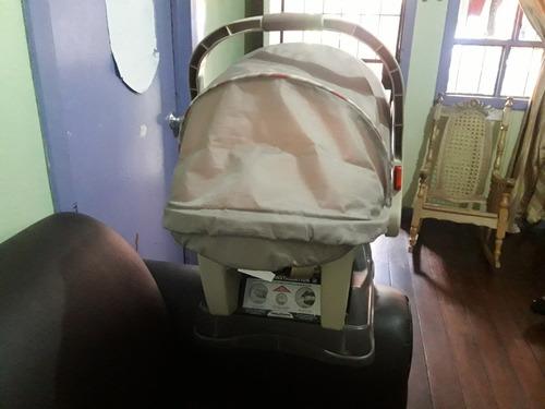bebé para coche