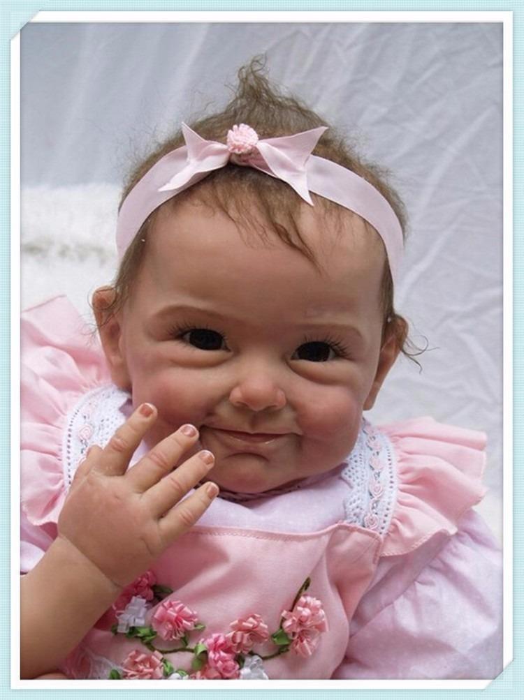b17e97f866 Bebe Reborn Boneca Silicone Menina Realista Lançamento - R  589