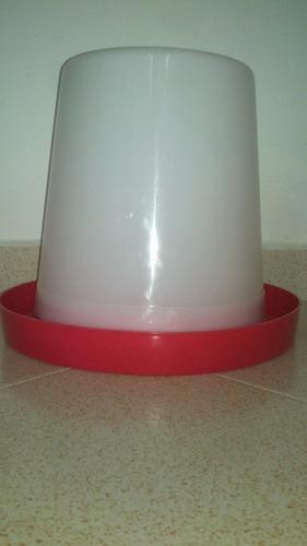 bebedero manual de 6 litros ( de galon y medio) para pollos