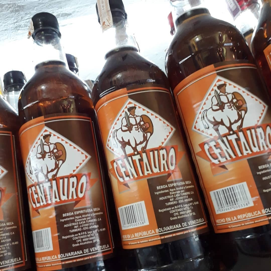 dd18202141 Bebidas Espurituosas Ron Centauro -- - Bs. 35.000