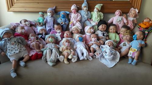 bebotes reales bebe reborn gorro chupete pañal casita muñeca