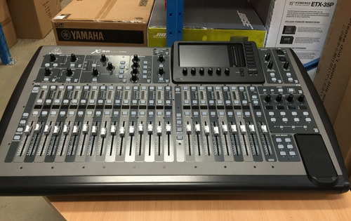 behringer x32 32-channel 16-bus total recall digital mixing