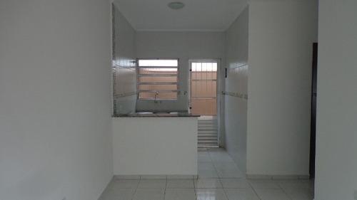 bela casa c/ 2 quartos, aceita financiamento bancário!!!