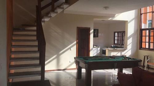 bela casa com 4 quartos no jardim jamaica, em frente ao mar!