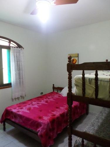 bela casa com piscina e 4 dormitórios - ref 4081-p